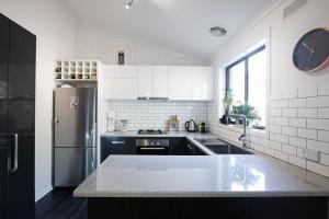 Black & white kitchen design